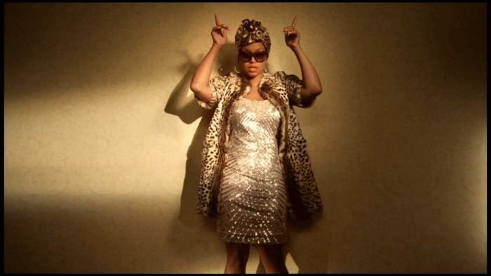 Chrisette Michele - I'm A Star HD 1080p.mkv_snapshot_00.06_[2011.04.09_19.13.42]