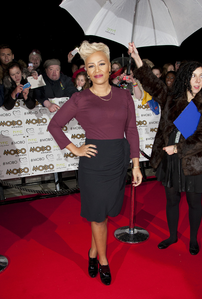 emeli-sande-at-mobo-awards-2012