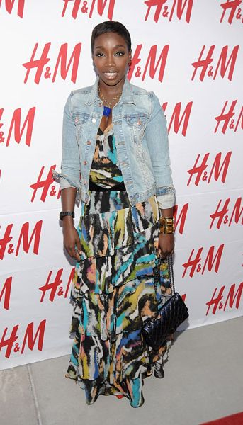 Estelle hit up H&M on Lexington Avenue in NYC yesterday to unveil the Fashion Against AIDS collection. Is Estelle's dress on point this time around