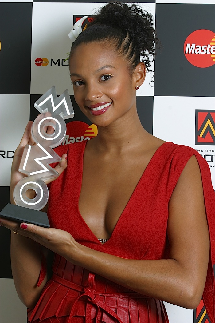 1_Alesha_Dixon_with_MOBO_Award