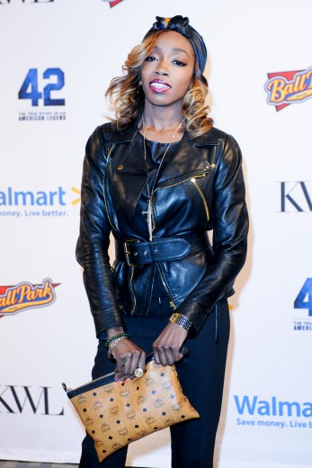 estelle-vip-screening-of-the-movie-42-hosted-by-kevin-liles-in-nyc_347x520_37