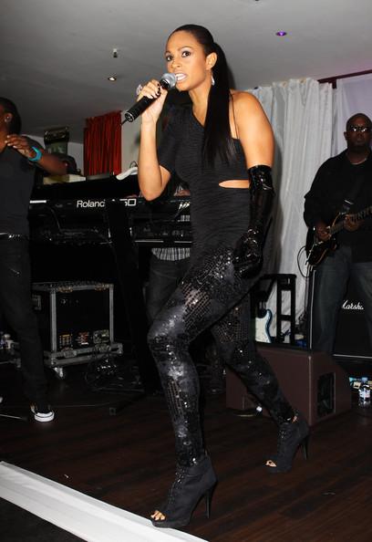 Alesha+Dixon+Boots+Ankle+boots+dP4emtfwA5nl