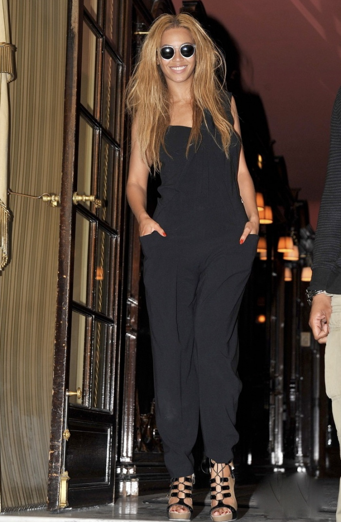 Beyonce in Roland Mouret Spring 2010 Collection