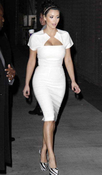 kim-kardashian-white-dress