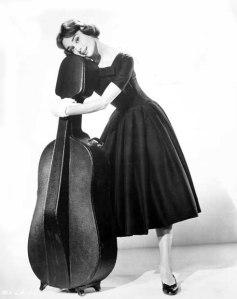Audrey-Hepburn-Love-Afternoon