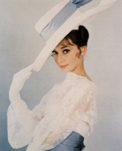audrey-hepburn-races-frock-blue-and-white