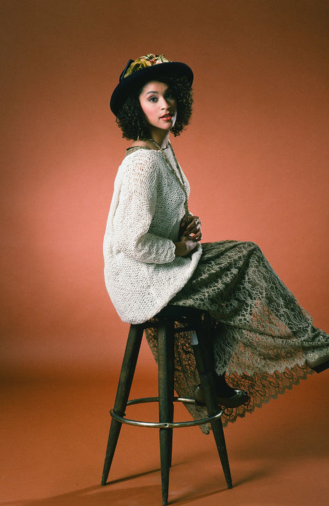hilary-banks-karyn-parsons-fresh-prince-of-bel-air-lace-skirt-h724