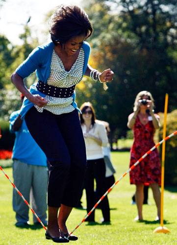 Michelle-Obama-jumps-rope-009 (1)