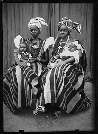 africannecklace,african,babies,photo,seydoukeita,women-a0fce4f21f816a379bfab67f399ac005_h