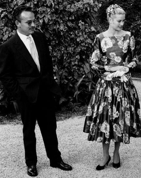 Grace Kelly Black Print Dress 1[3]