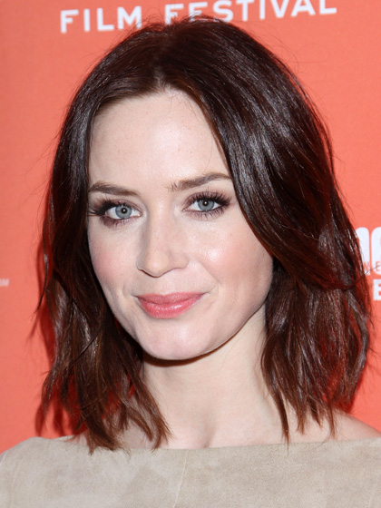 oval-face-shape-hairstyles-emily-blunt