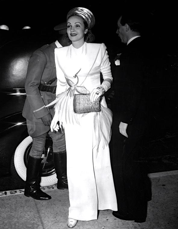 1940-briggs-and-marlene-dietrich
