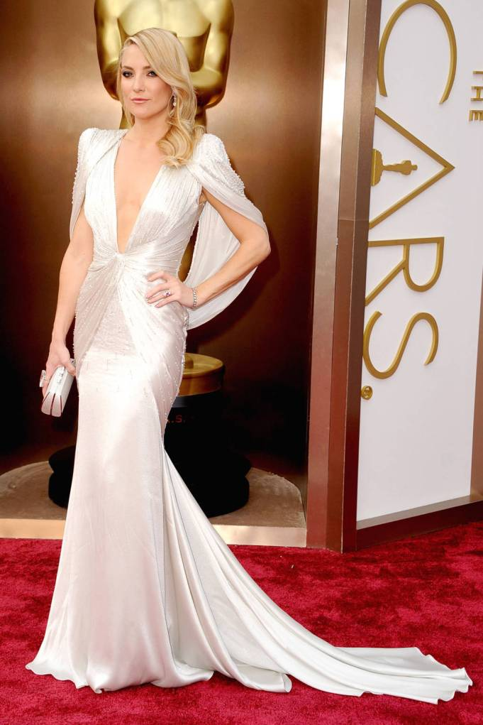Kate Hudson in white Atelier Versace....Some people are not over the cape trend yet?