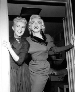 How-to-Marry-a-Millionaire-Marilyn-dress-with-fur-collar