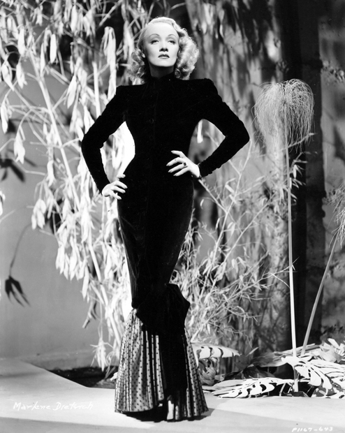 Marlene-Dietrich-fashion-portrait-2