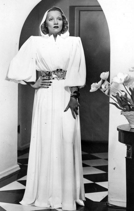 Style Icon Marlene Dietrich Style Silhouette Trend