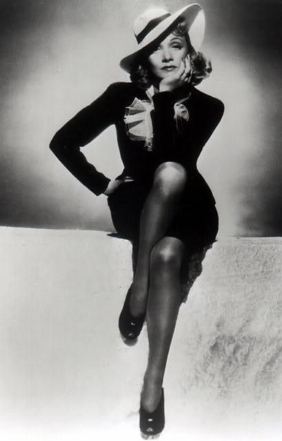 malene dietrich style icon An icon like no other, the german-born actress and cabaret performer marlene dietrich had a self-confident style that combined femme fatale elegance with dramatic glamourin the 1920s marlene was a stage and screen performer in berlin.