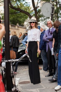 ulyana-sergeenko-high-waisted-pants-black-white-outfit-paris-2012-hat-682x1024