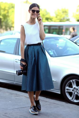 Wear your ultra-feminine, ladylike midi skirts with these shoes to achieve a chic, sporty look. Image by inonit.in
