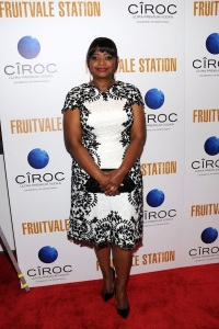 000-Octavia-Spencer-vs.-Beverly-Johnson-in-Tadashi-Shojis-Lace-Panel-Cocktail-Dress