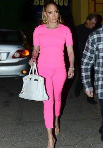 9e97c690-bb0e-11e3-8448-473b95d58ea2_Jennifer-Lopez-pink-trend-2014