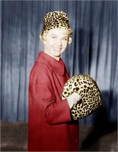 doris-day-mit-einem-leoparden-muff-355144