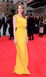 emma-stone-yellow-versace
