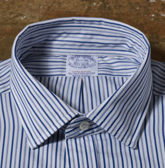 The Ainsley or Medium-Spread The workhorse of the group, this collar is seen in most business settings. It provides a great showcase for neckwear and, if you choose to forego the tie, adds a hint of professionalism to a casual occasion.