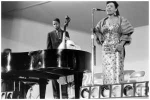 billie-holiday-monterey-jazz-festival-by-nat-farbman-1958
