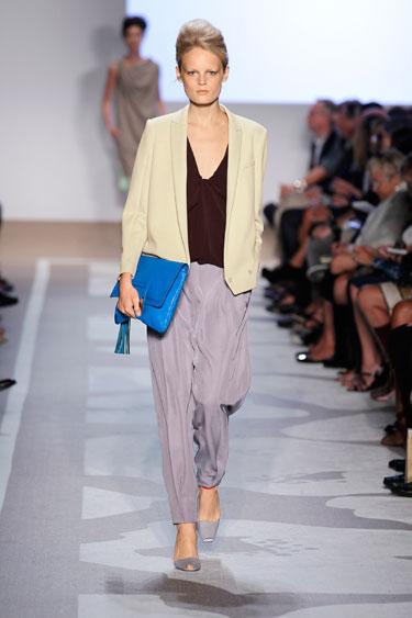 hbz-dress-for-success-diane-von-furstenburg-model-de
